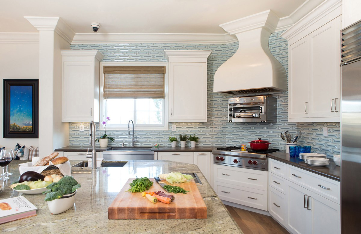 Modern Kitchen in Los Angeles home | Blue 3D backsplash tile