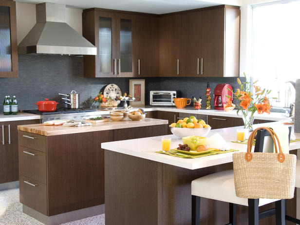 L-Shaped and horseshoe kitchens are common in the 'burbs. Characterized by having two or three walls lined with cabinets, this is likely the kitchen layout you have in mind if you're picturing something more traditional.