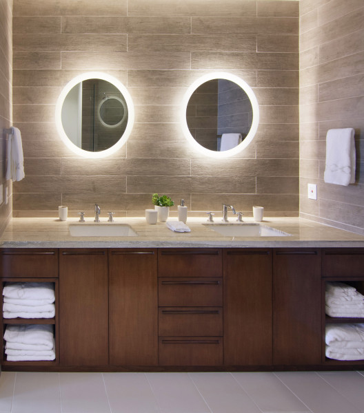 Wood Tile on Bathroom Walls in Modern Beach House