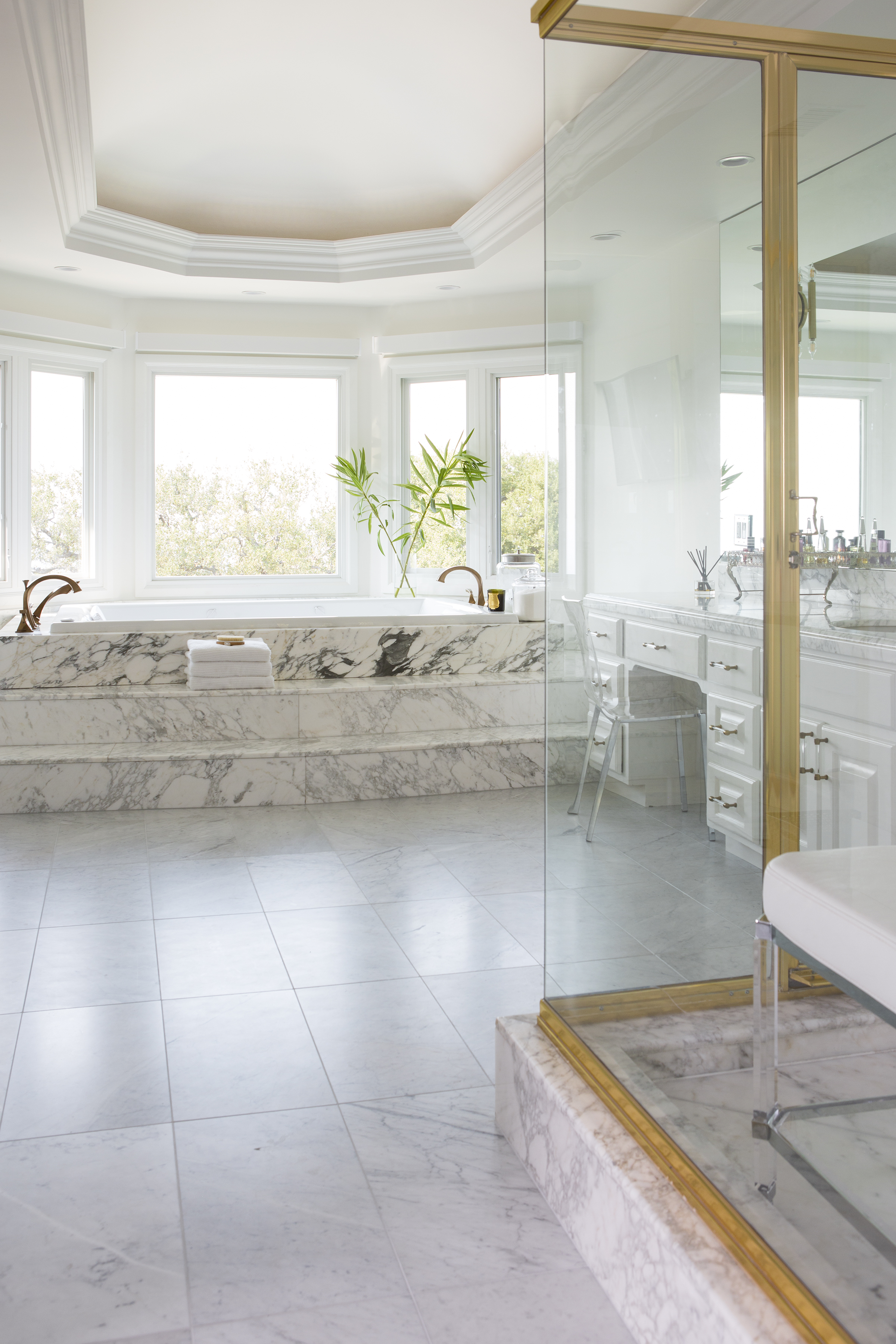 Bel Air marble bathroom