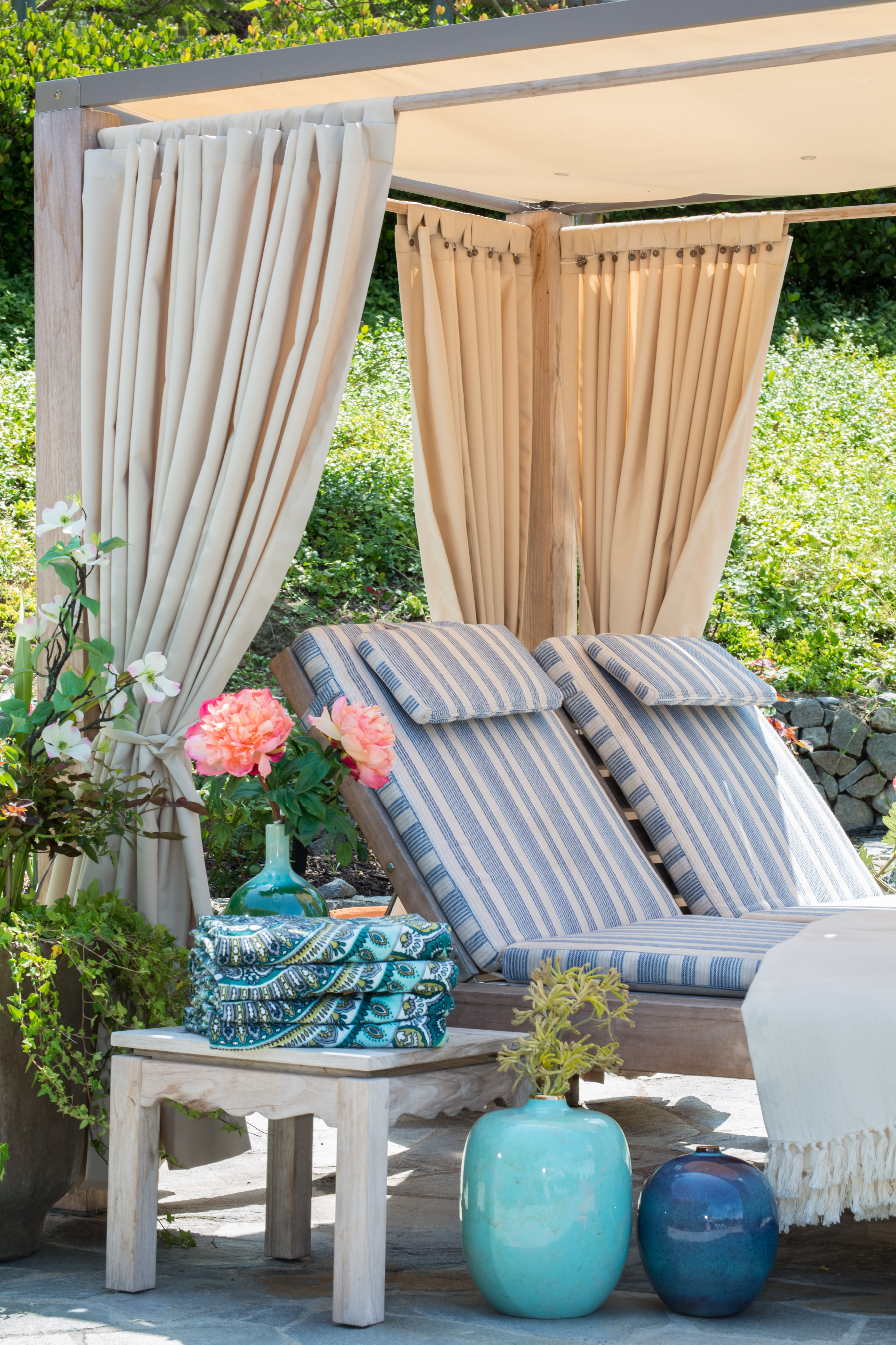 outdoor pool lounge cabana with performance fabric